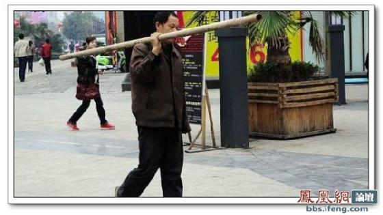 street-pole-dancing-1