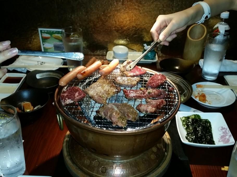 No dia de folga depois do passeio fomos comer yakiniku (churrasco japonês)